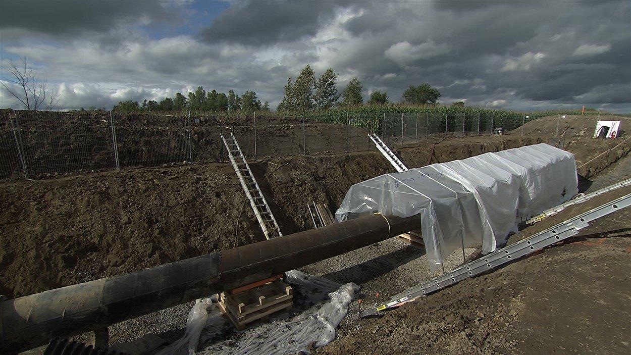 Travaux d'excavation du pipeline 9B d'Enbridge