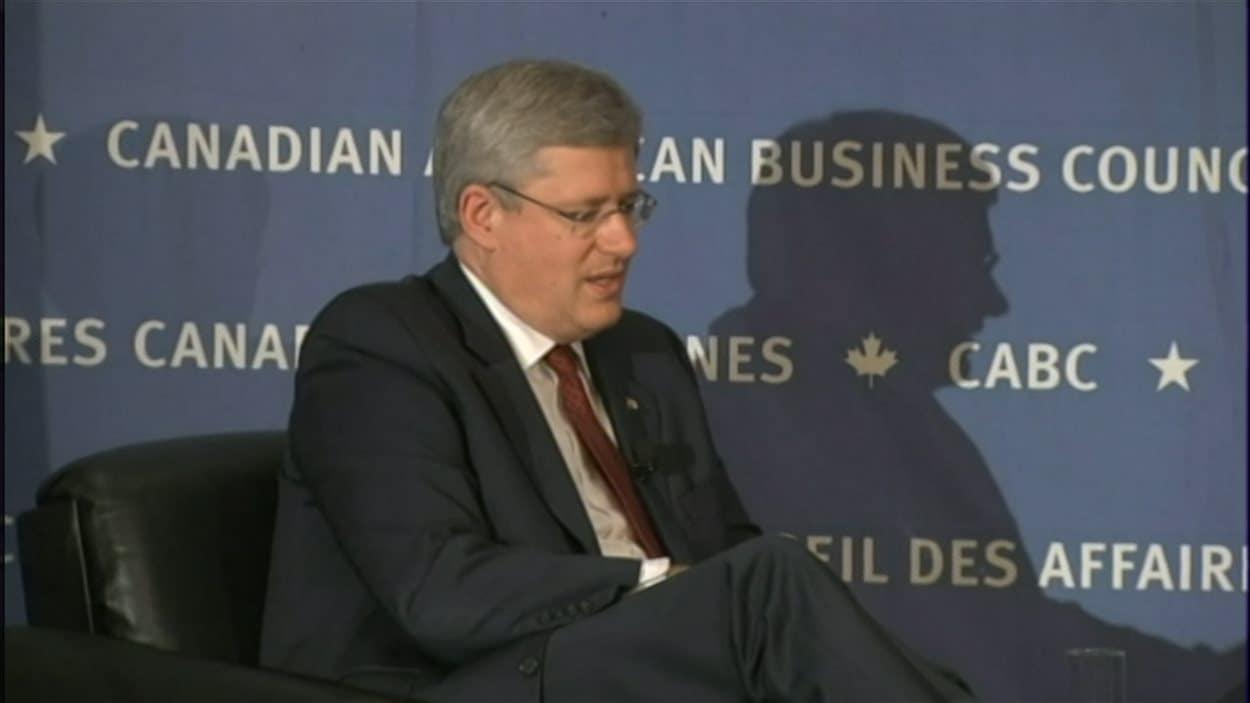 Le premier ministre Stephen Harper devant le Canadian American Business Council, le 26 septembre 2013