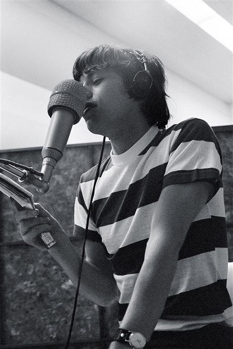 Mick Jagger, lors d'une session d'enregistrement dans les studios de RCA, à Los Angeles, le 12 mai 1965.