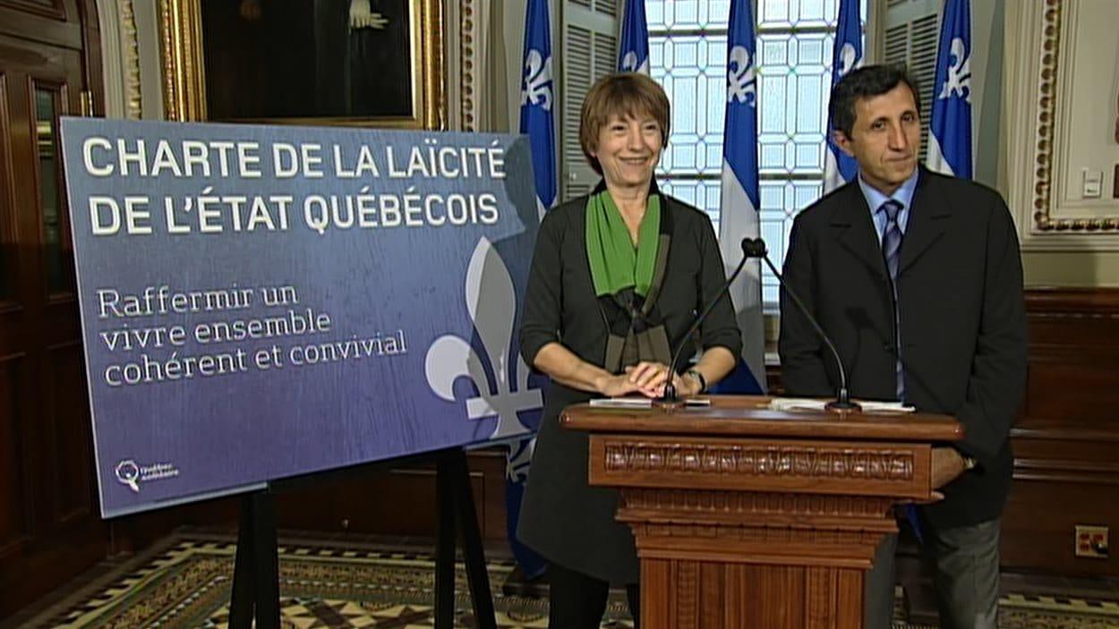 Françoise David et Amir Khadir présentent leur projet de charte de la laïcité.