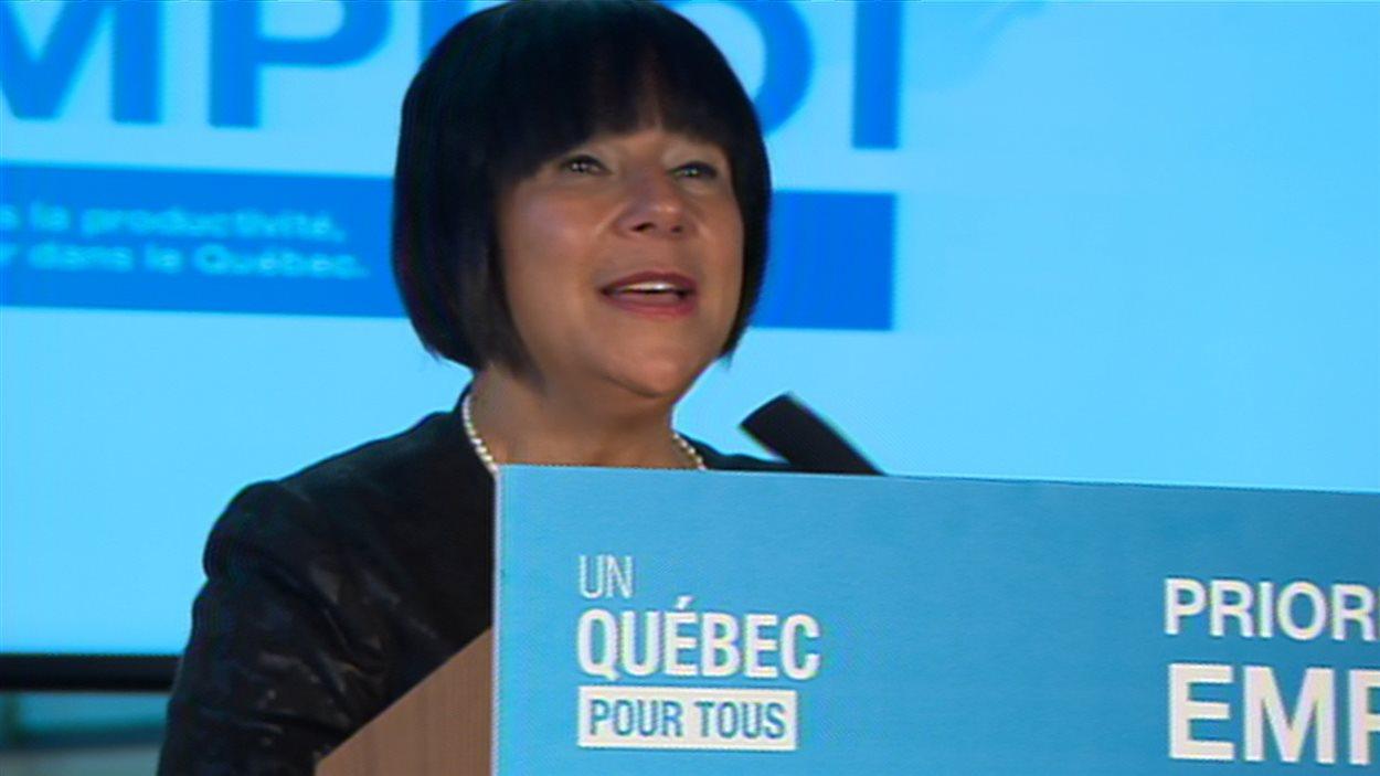 La ministre déléguée à la Politique industrielle et à la Banque de développement économique du Québec, Mme Élaine Zakaïb