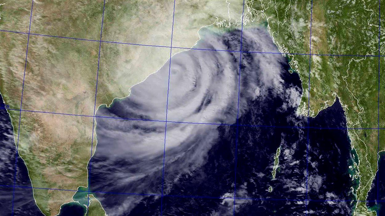 Image satellite du cyclone Phailin dans le golfe du Bengale, obtenue par la US Naval Research Laboratory (NRL) le 12 octobre.