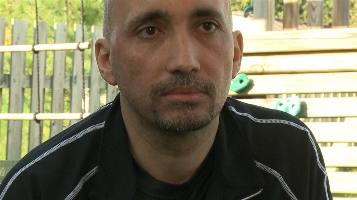 Ghassan Elgadi espère revoir sa famille bientôt.