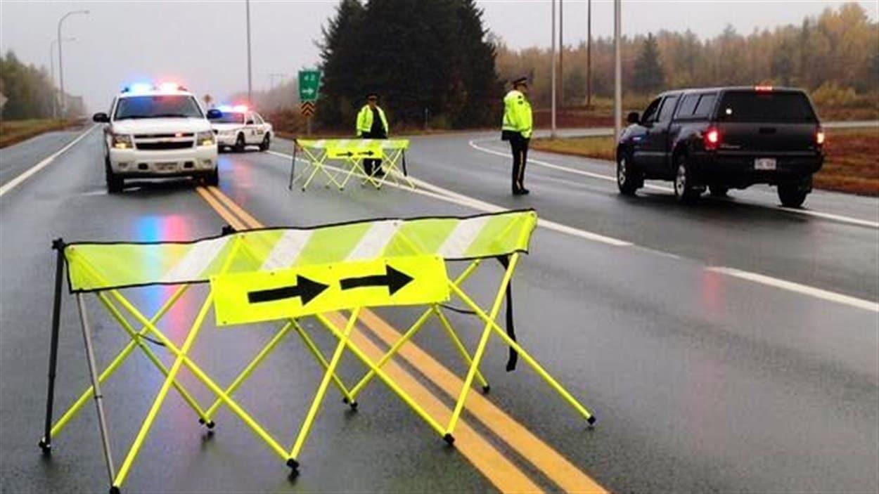 Les gendarmes ont bloqués les routes 11 et 134.