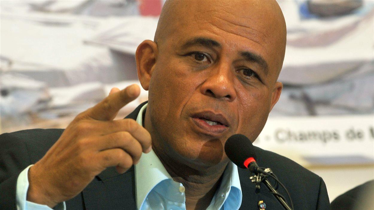 La femme et le fils du président Michel Martelly, en poste jusqu'en 2016, ont été accusés de corruption par l'avocat de l'opposition, André Michel.