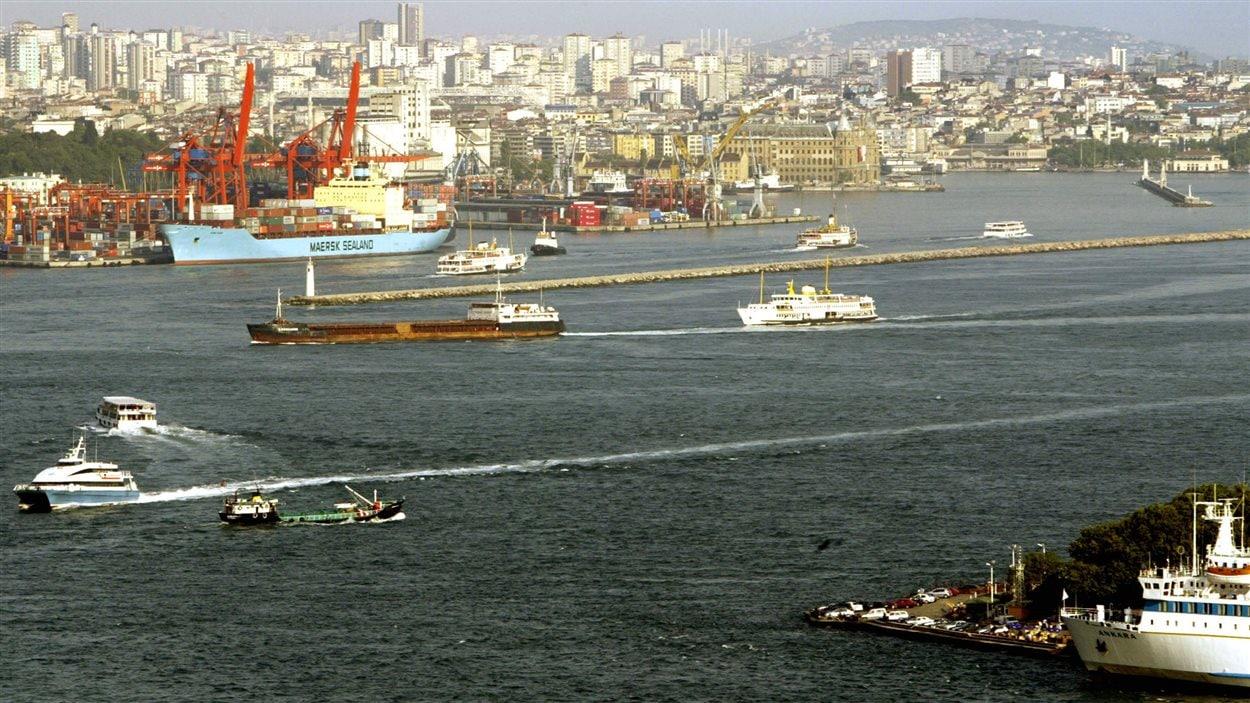 Le Bosphore, qui sépare l'Europe et l'Asie en plein coeur d'Istanbul