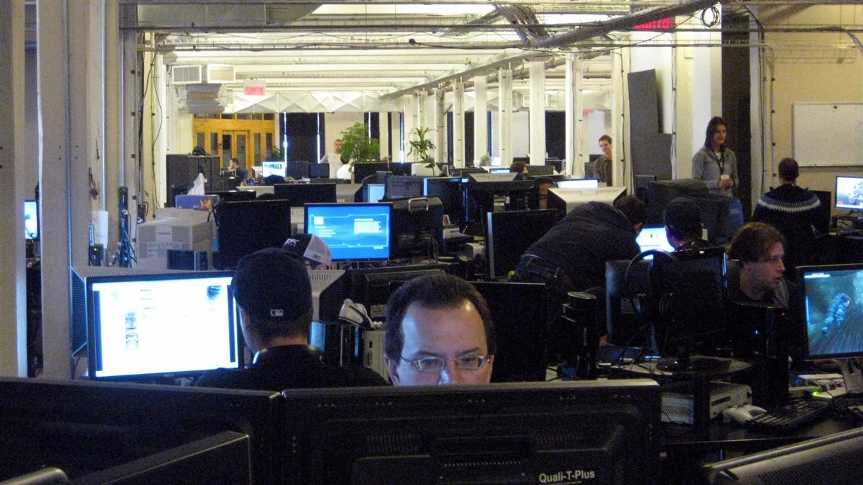 Des employés de la firme Ubisoft, à Montréal. La production de jeux vidéo est un secteur où il y a de la création d'emplois.