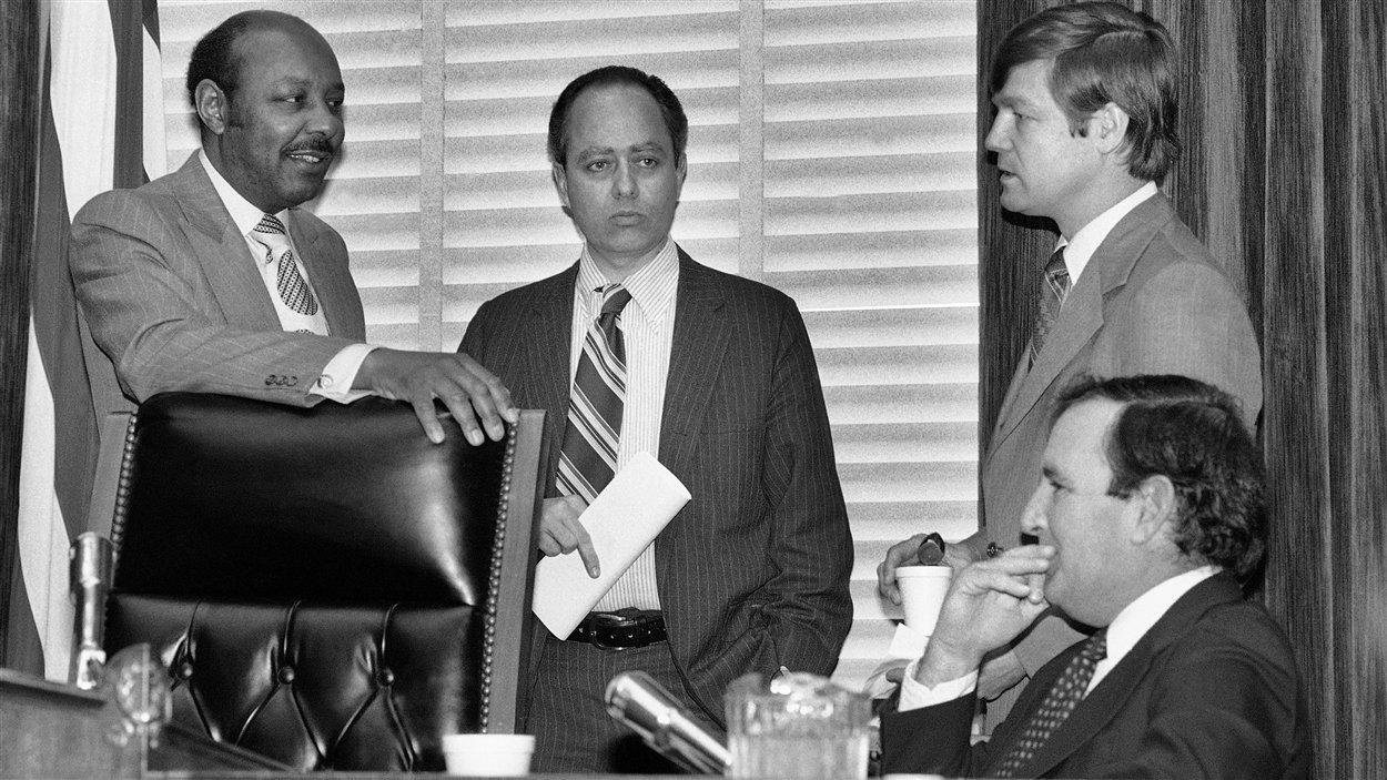 Rencontre des membres de la Commission sur les assassinats de la Chambre des représentants, le 22 décembre 1978.