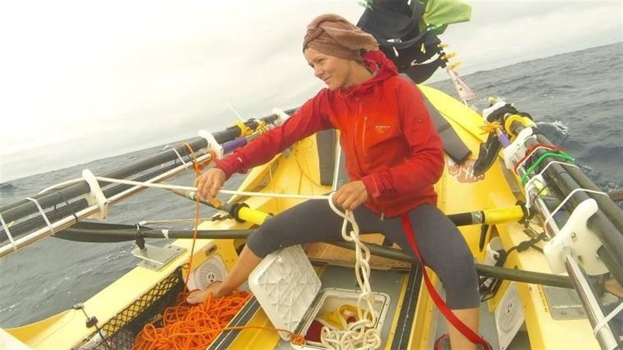 Le voyage ne fut pas facile.  Au début novembre, de mauvaises conditions météorologiques ont fait chavirer le bateau plus d'une fois.