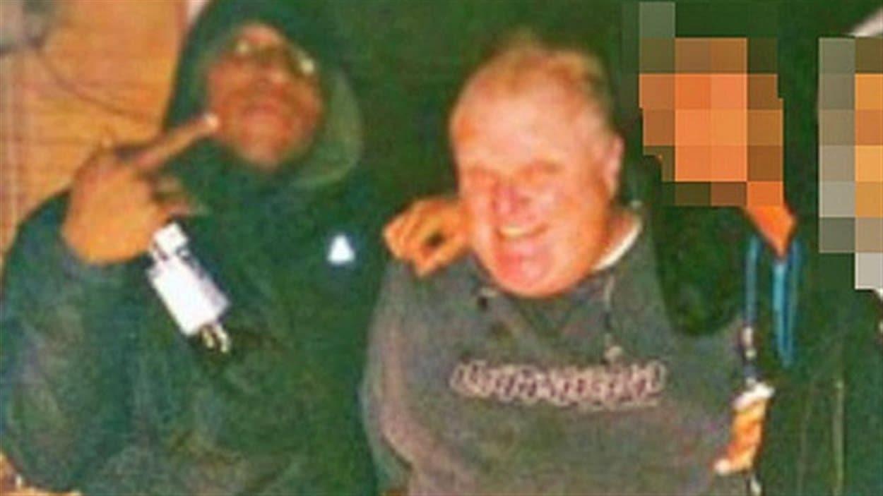 Cette image aurait été tirée de la vidéo dans laquelle on verrait le maire Ford fumer du crack.