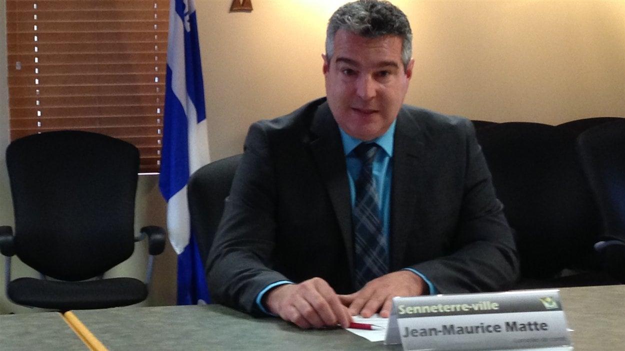 Jean-Maurice Matte, maire de Senneterre, réagissait à la nouvelle lors d'un point de presse
