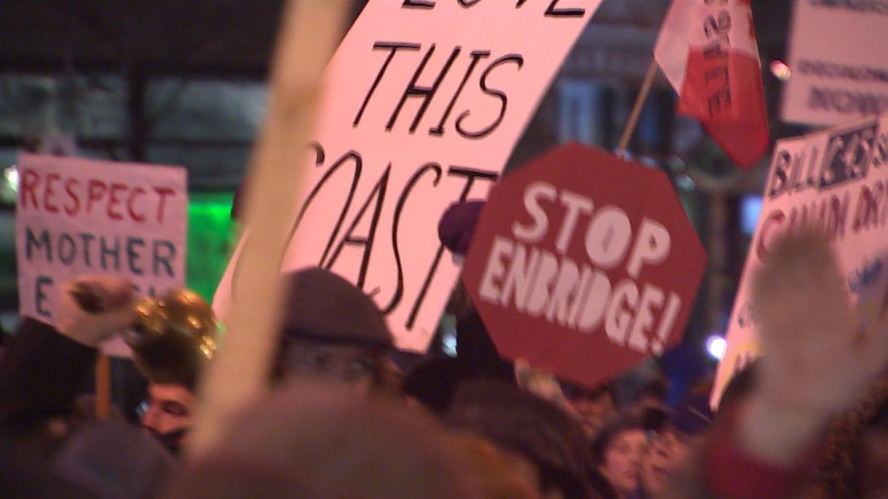 Manifestation contre le pipeline d'Enbridge