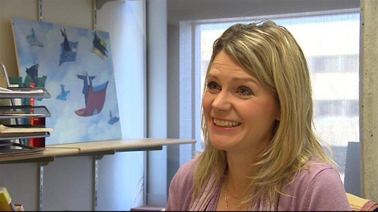 La professeure au Département d'informatique de l'Université du Manitoba Christina Penner accorde une entrevue à son bureau le 8 décembre 2013.