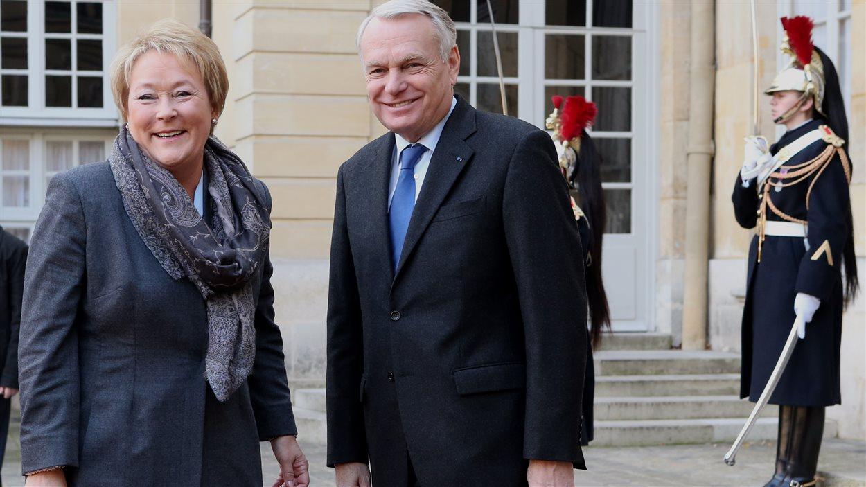Le premier ministre français Jean-Marc Ayrault reçoit Pauline Marois.