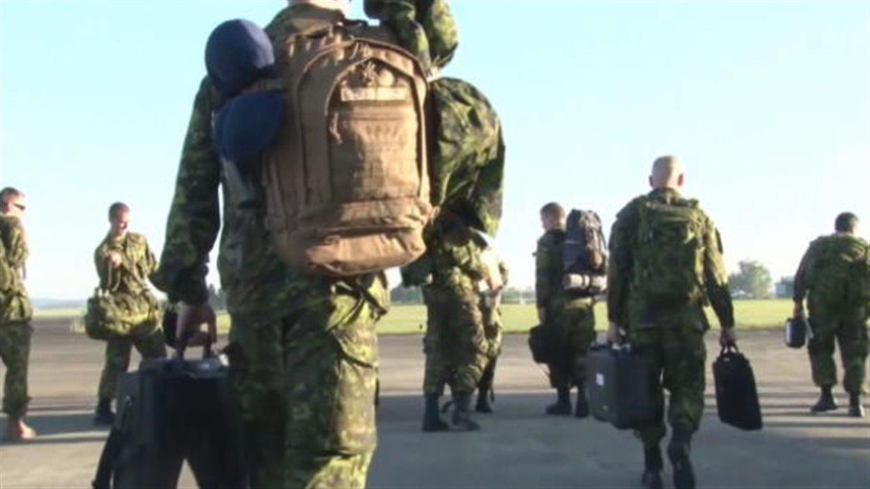 Des soldats canadiens aux Philippines