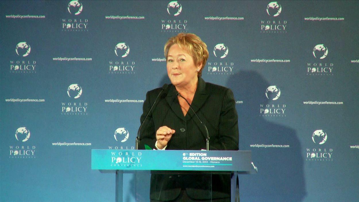 La première ministre du Québec, Pauline Marois, devant la Chambre de commerce Canada-Belgique-Luxembourg, à Bruxelles