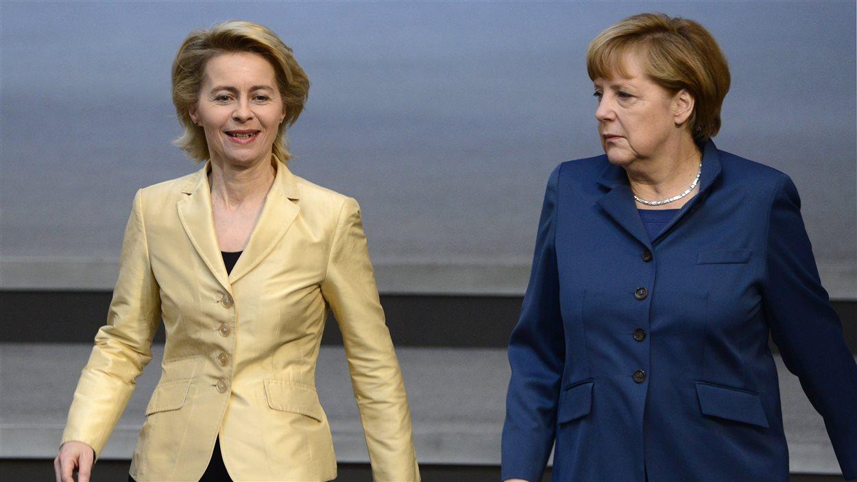 Angela Merkel (droite) et Ursula von der Leyen (gauche) à Berlin, en avril 2013