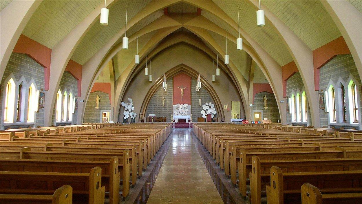 L'église Saint-Pierre-Apôtre à Joliette: avant