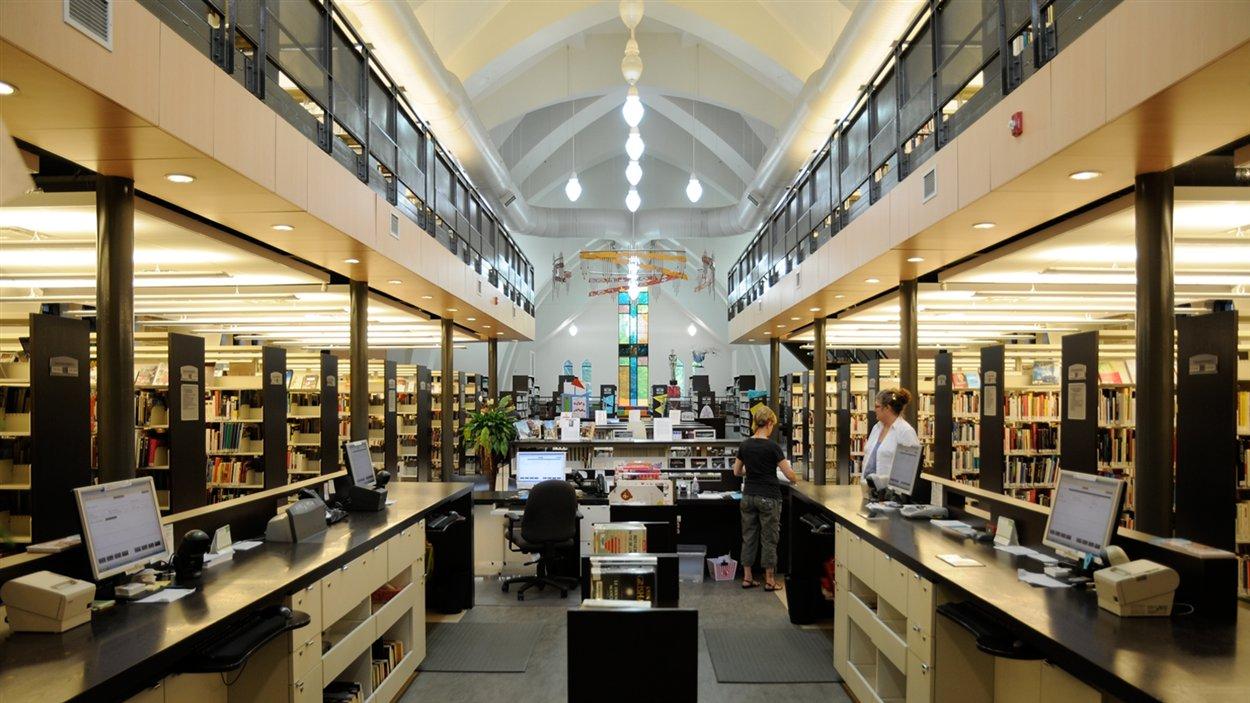 L'église Saint-Pierre-Apôtre de Joliette, transformée en bibliothèque