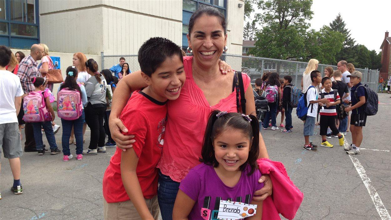Une mère de famille, Elsa Otero, et son fils Marco
