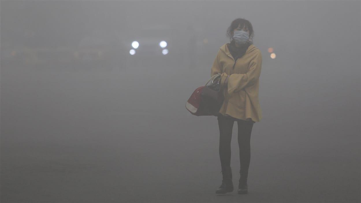 (21 octobre 2013) La pollution paralyse Harbin, une mégalopole chinoise de 11 millions d'habitant.