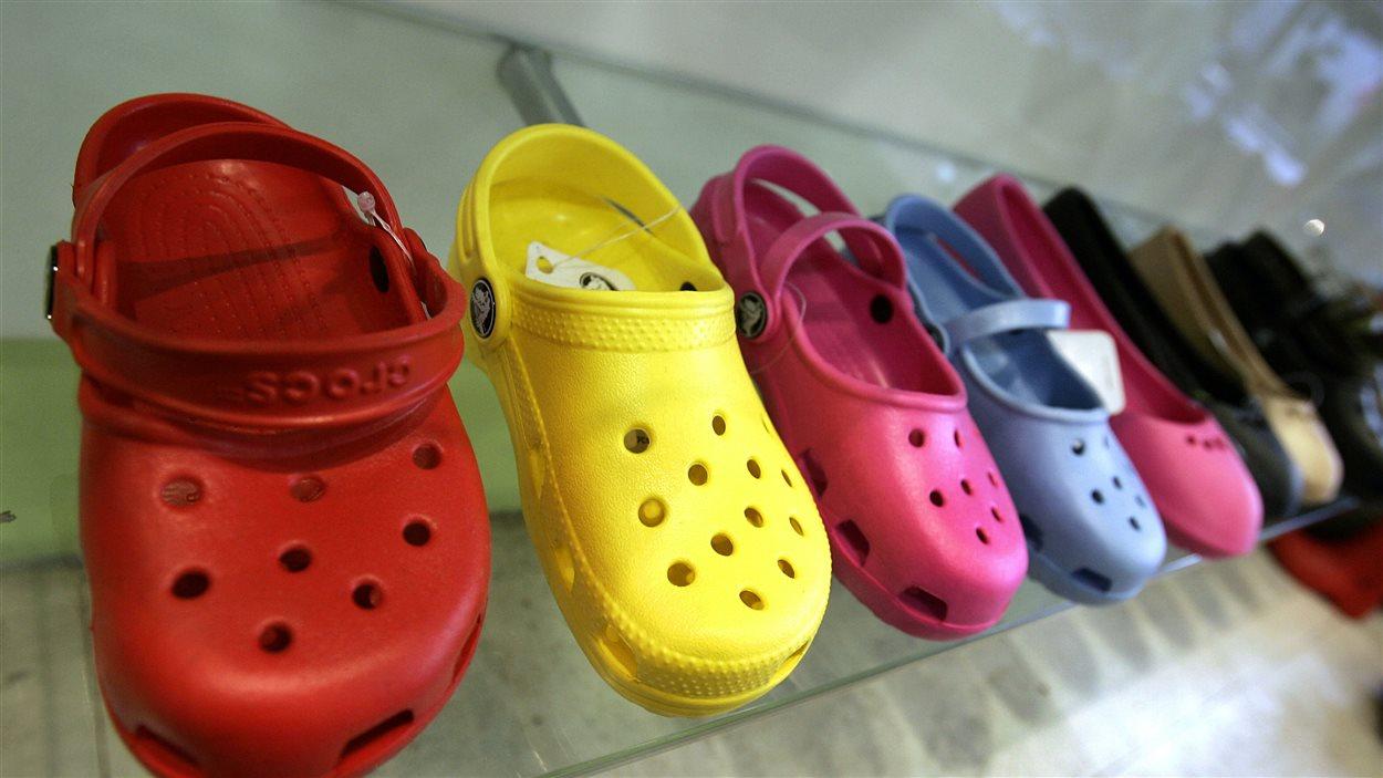 Des chaussures Crocs