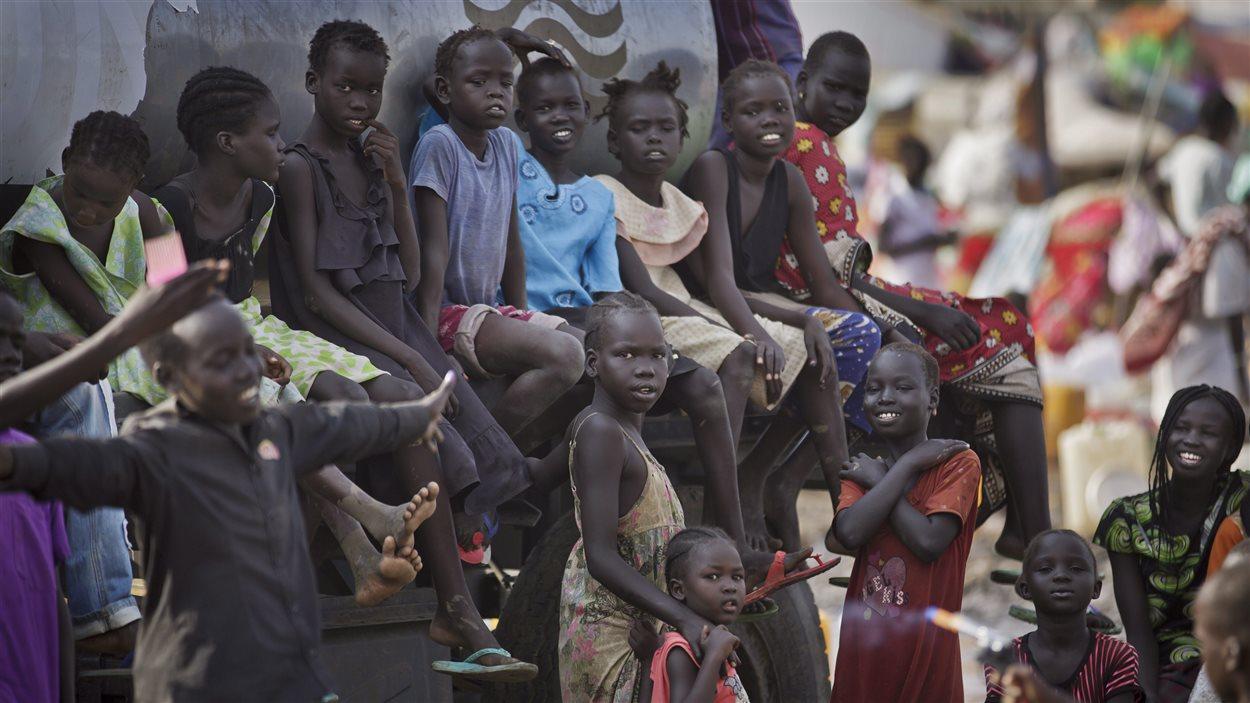 Des Sud-Soudanais déplacés par le conflit.