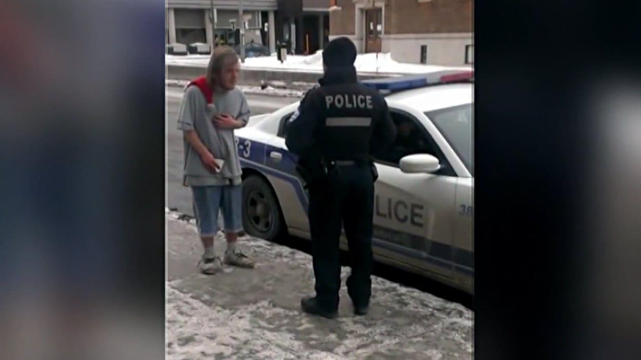 La vidéo montrant l'intervention d'un policier avec un itinérant dans les rues de Montréal a beaucoup circulé depuis une semaine.