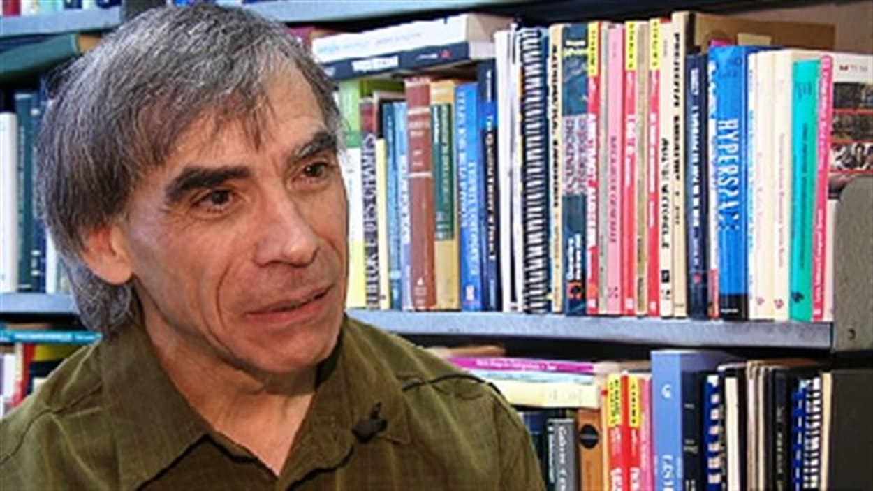 Claude Gauthier, professeur de mathématique et de physique théorique à l'Université de Moncton