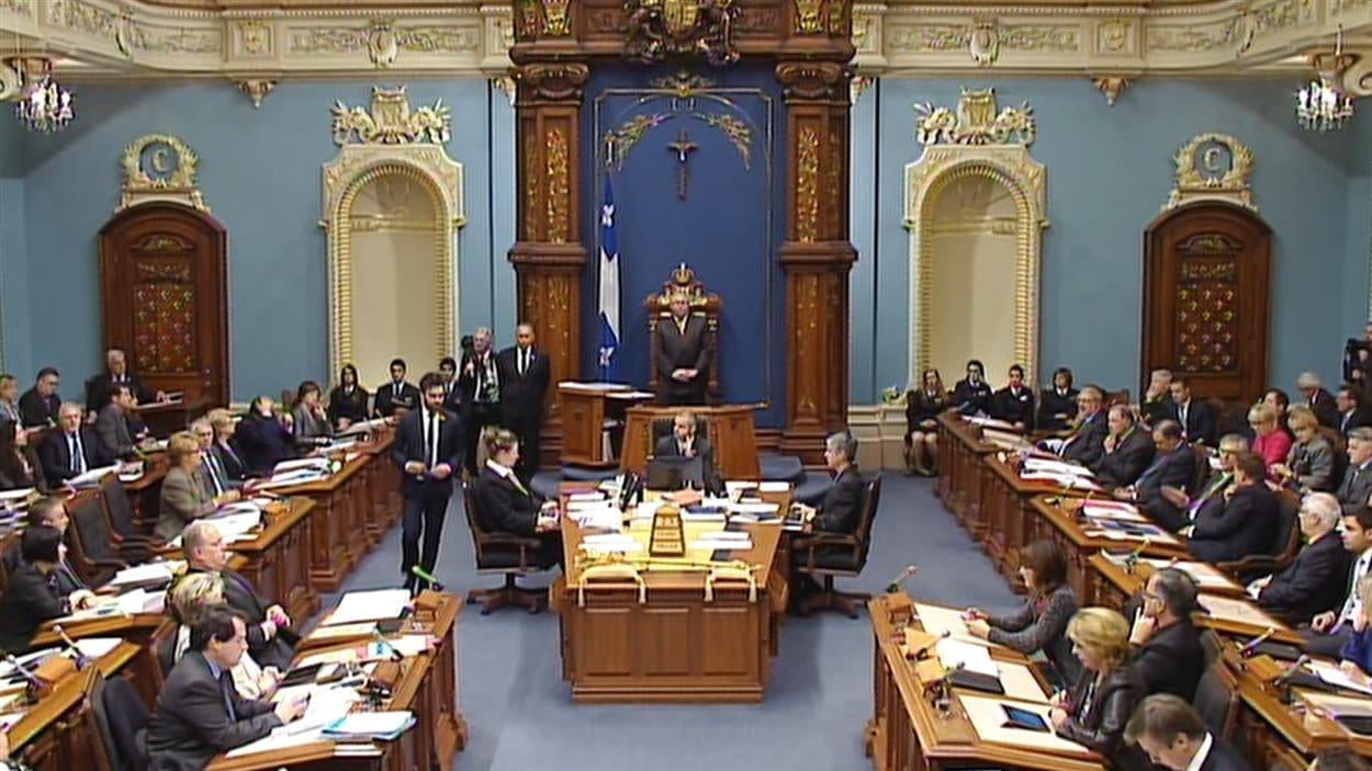 Les députés au salon bleu de l'Assemblée nationale (23 octobre 2013)