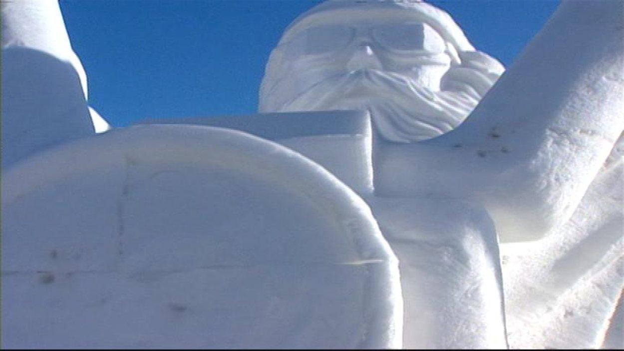 Le symposium international de sculptures sur neige n'est pas un concours, mais un partage de son art.