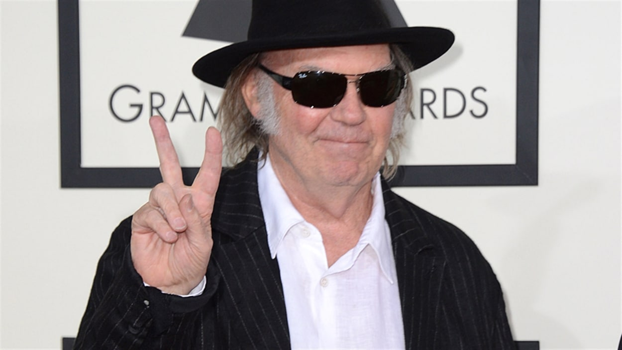 Le chanteur canadien Neil Young.