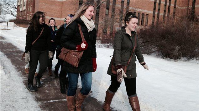 Des étudiantes de l'Université Mount Allison
