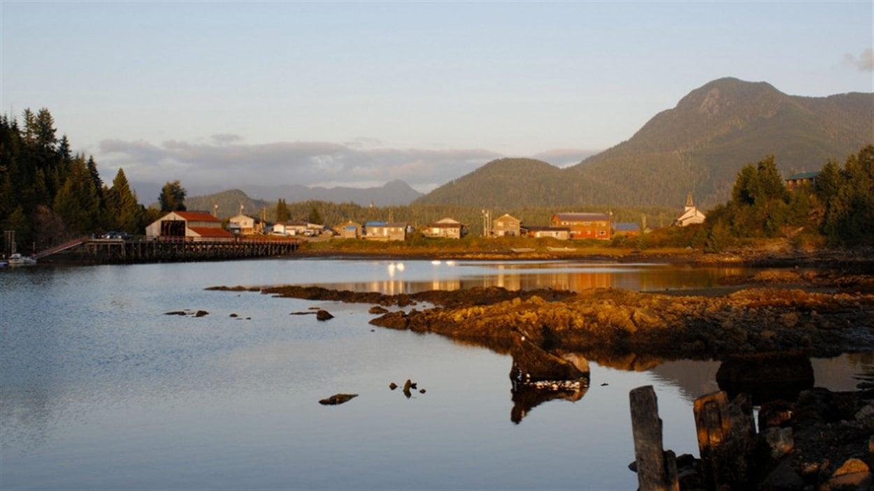Le village d'Ahousat sur la côte ouest de l'île de Vancouver en Colombie-Britannique.