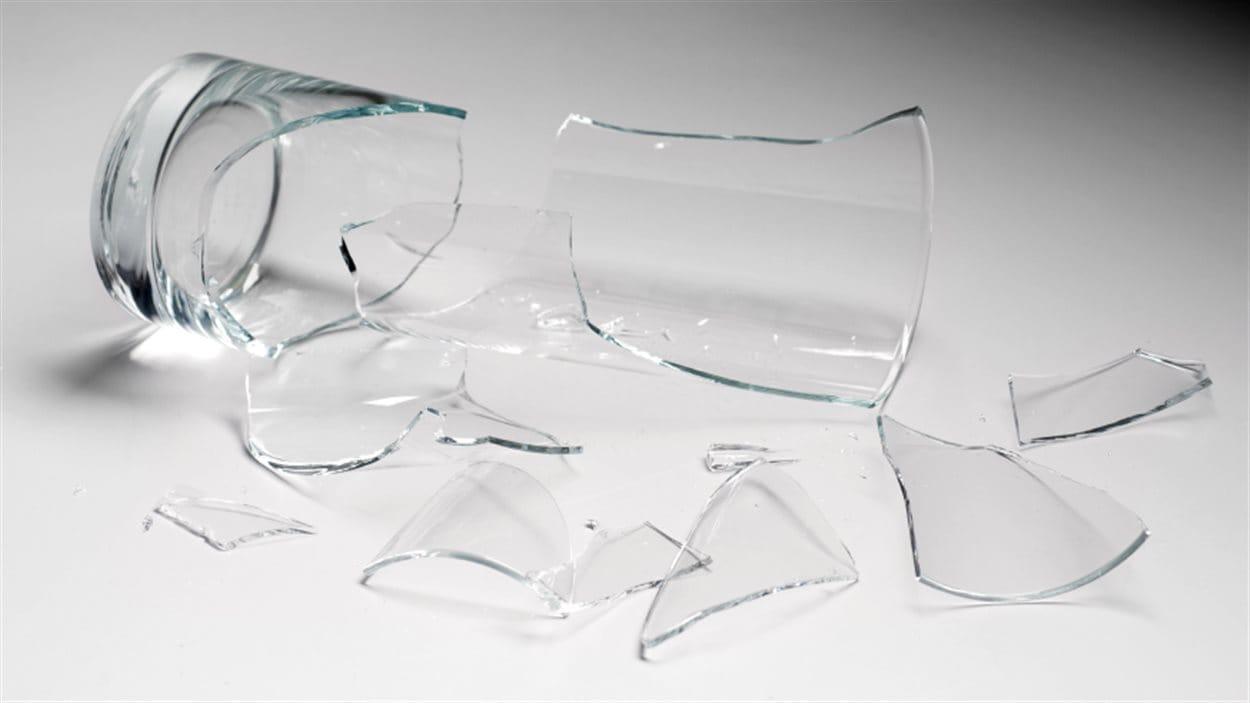 Un verre brisé