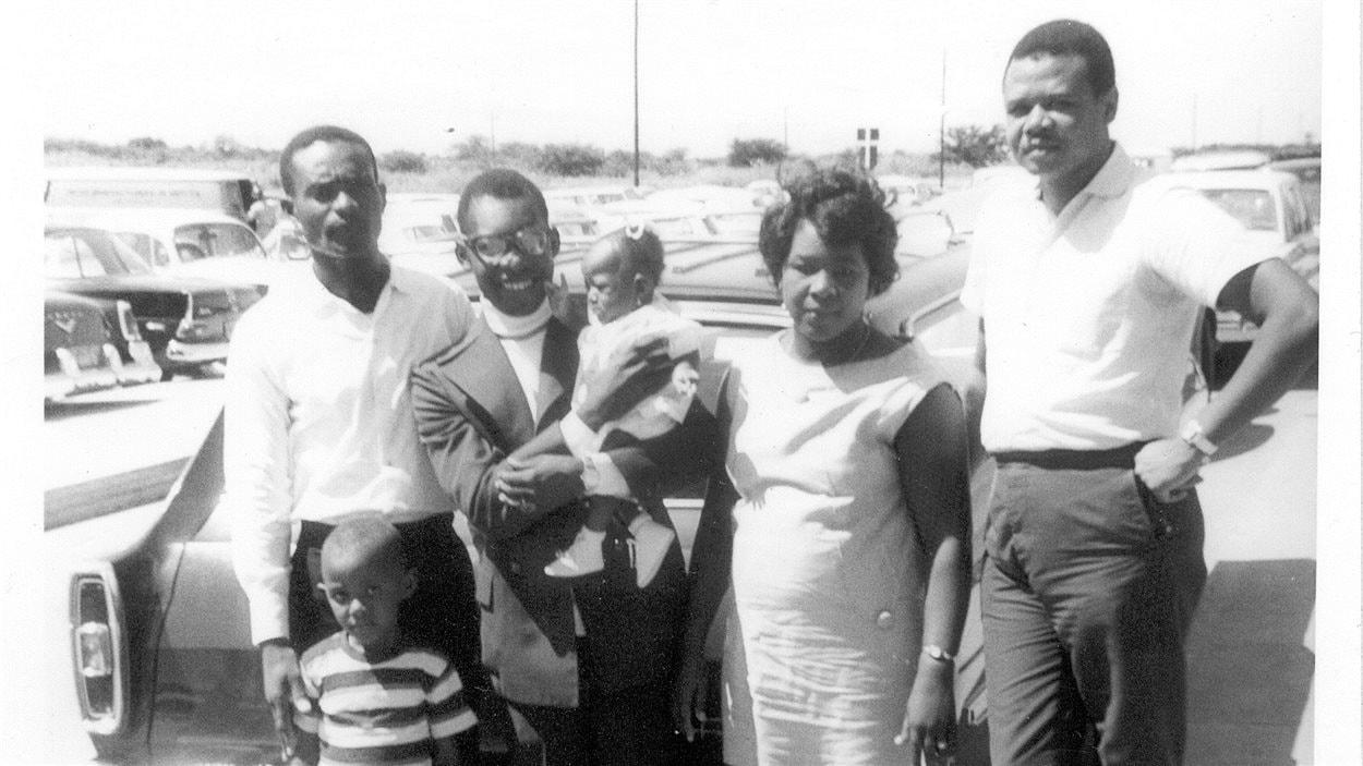 Ulrich Chérubin, maire d'Amos, avec sa famille