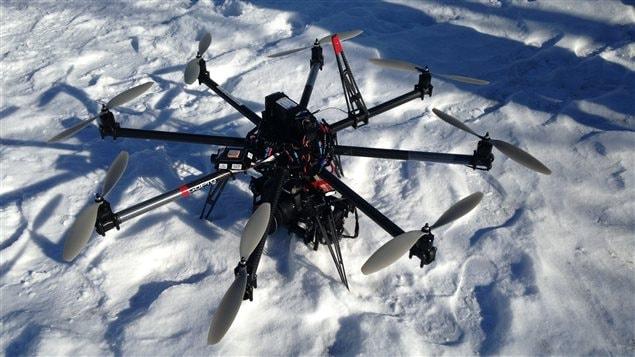 L'hélicoptère utilisé par l'entreprise Geomediatix Innovations