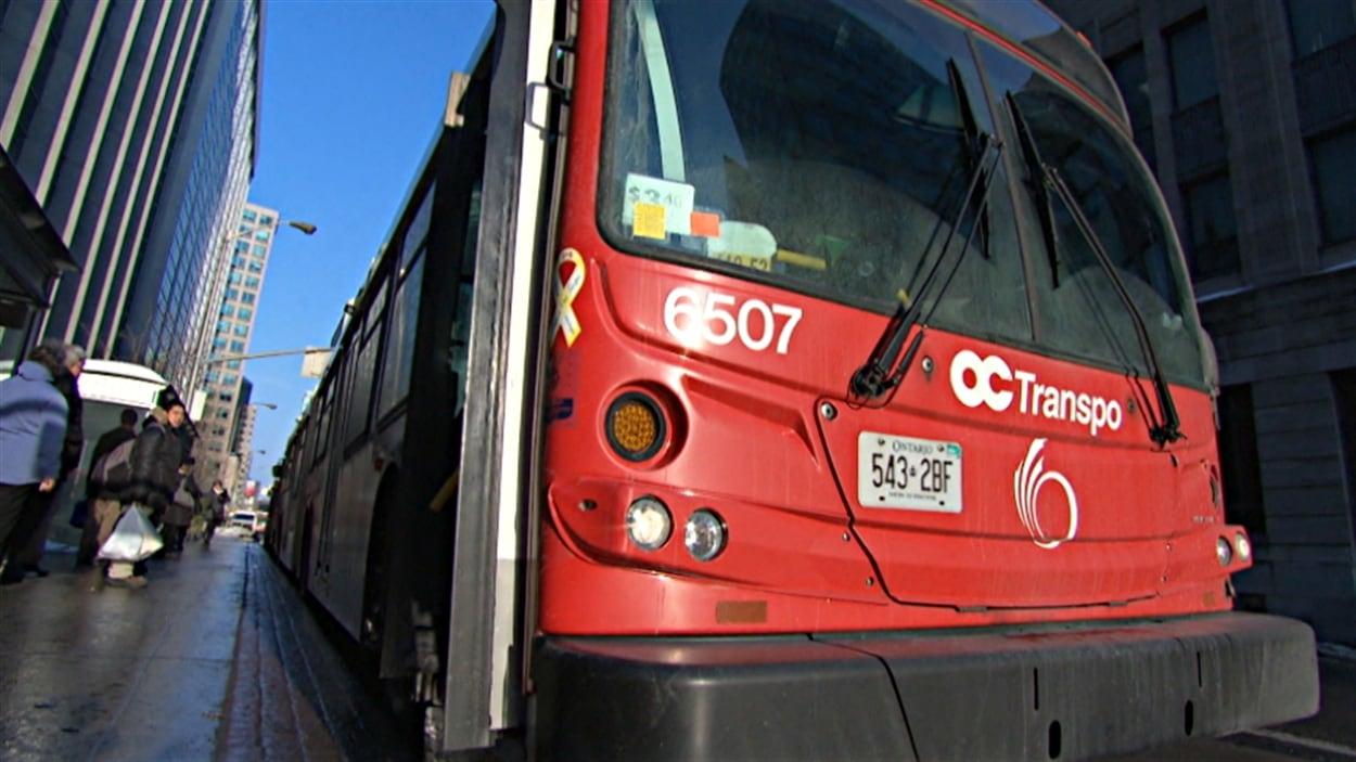 Un autobus d'OC Transpo à Ottawa.
