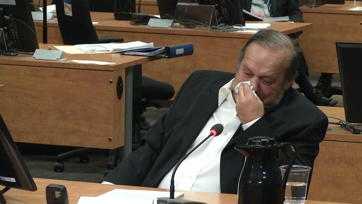 Normand Pedneault éclate en sanglot en évoquant un épisode de violence syndicale