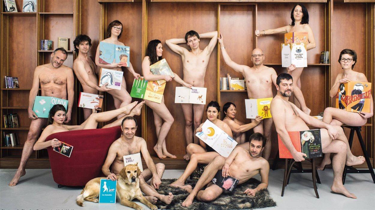 les adolescents sont nus