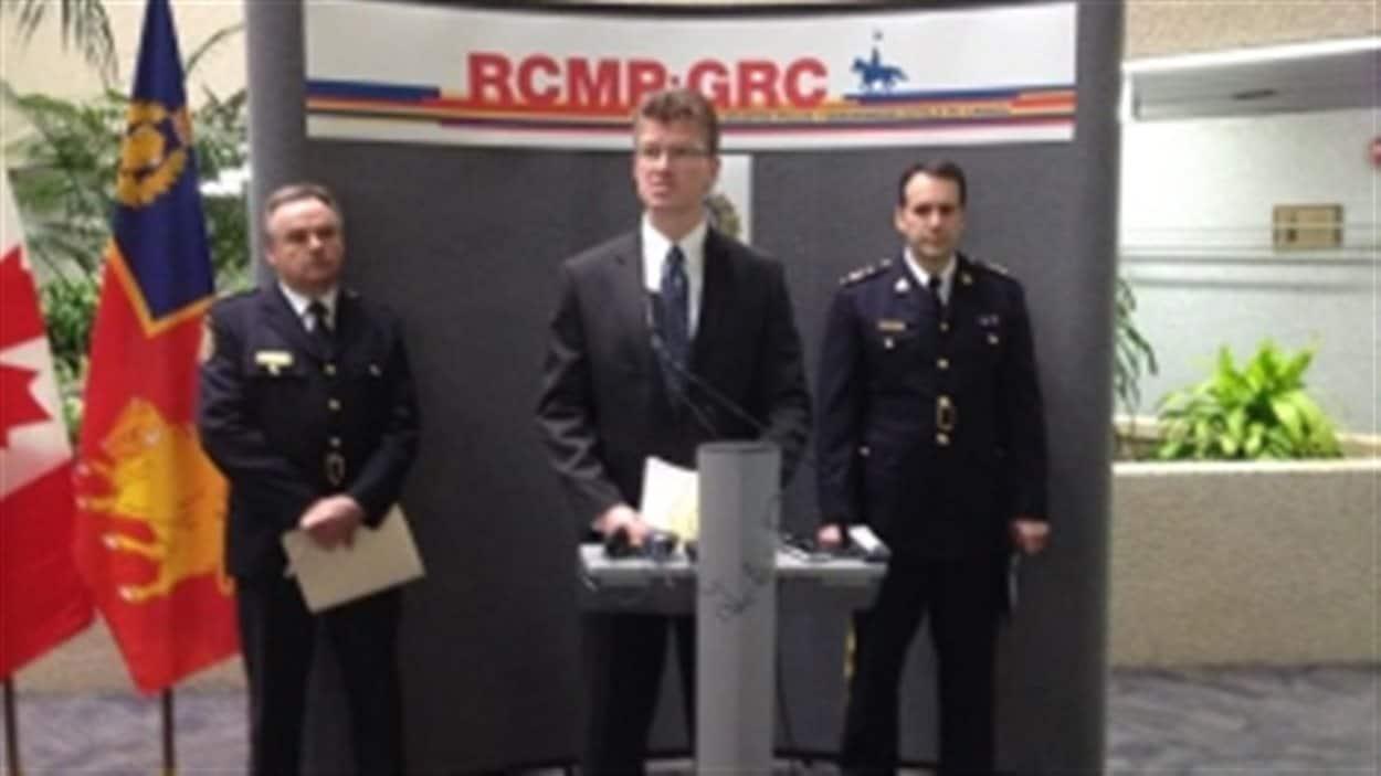 Le ministre de la Justice du Manitoba, Andrew Swan, a déclaré vendredi qu'une chance avait été donnée aux Hells Angels en mai 2013 de prouver qu'ils n'étaient pas une organisation criminelle, mais qu'ils n'ont pas répondu.
