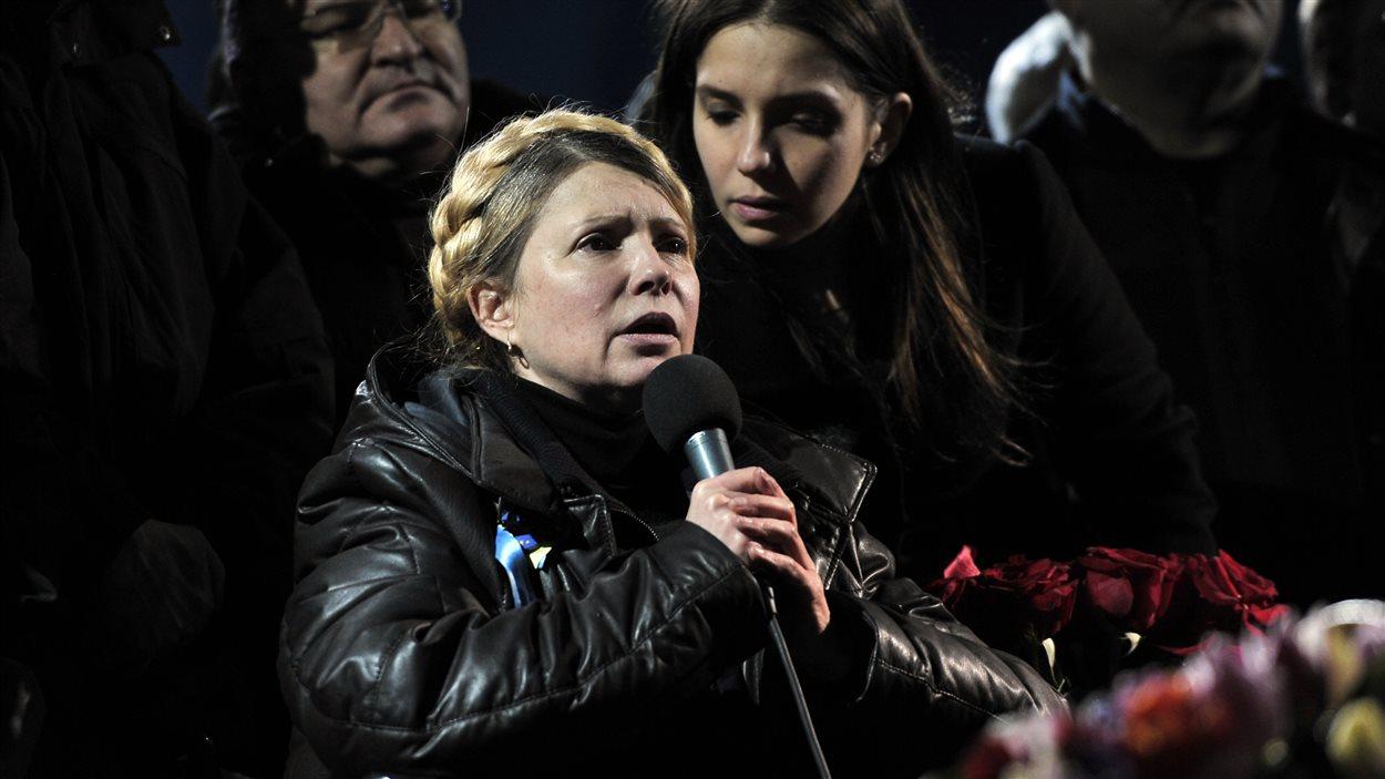 Ioulia Timochenko s'adresse à la foule sur la place Maïdan, à Kiev, après sa libération, le 22 février 2014