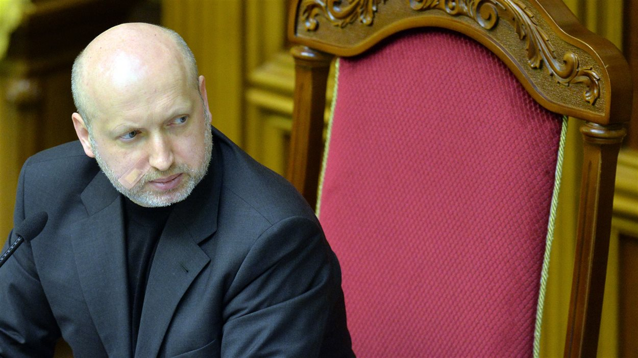 Le président du Parlement nommé samedi, Oleksander Tourchinov, occupera provisoirement les fonctions de président de l'Ukraine.