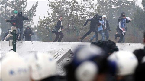 À Ankara, un rassemblement contre la construction d'une autoroute s'est vite transformé en manifestation contre le premier ministre.