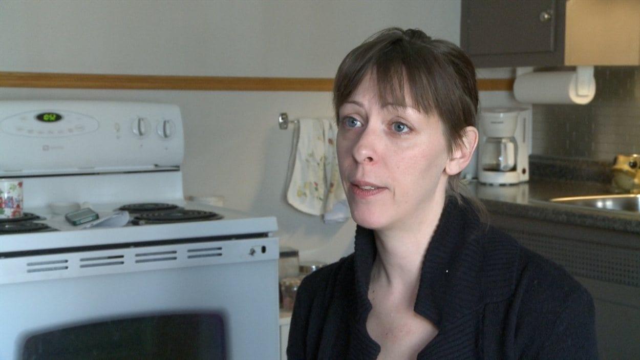 Nathalie Brière a quitté son appartement de Laval et demande dédommagement à l'OMHL