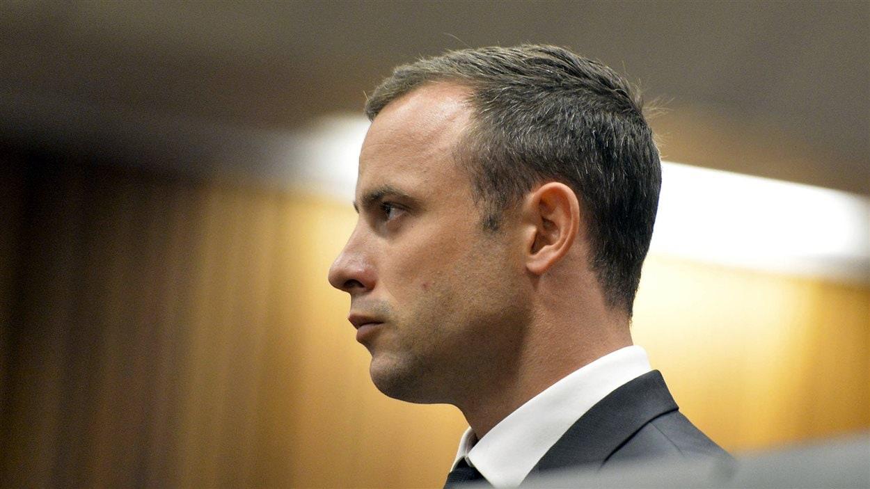 Oscar Pistorius à l'ouverture de son procès pour meurtre, le 3 mars 2014