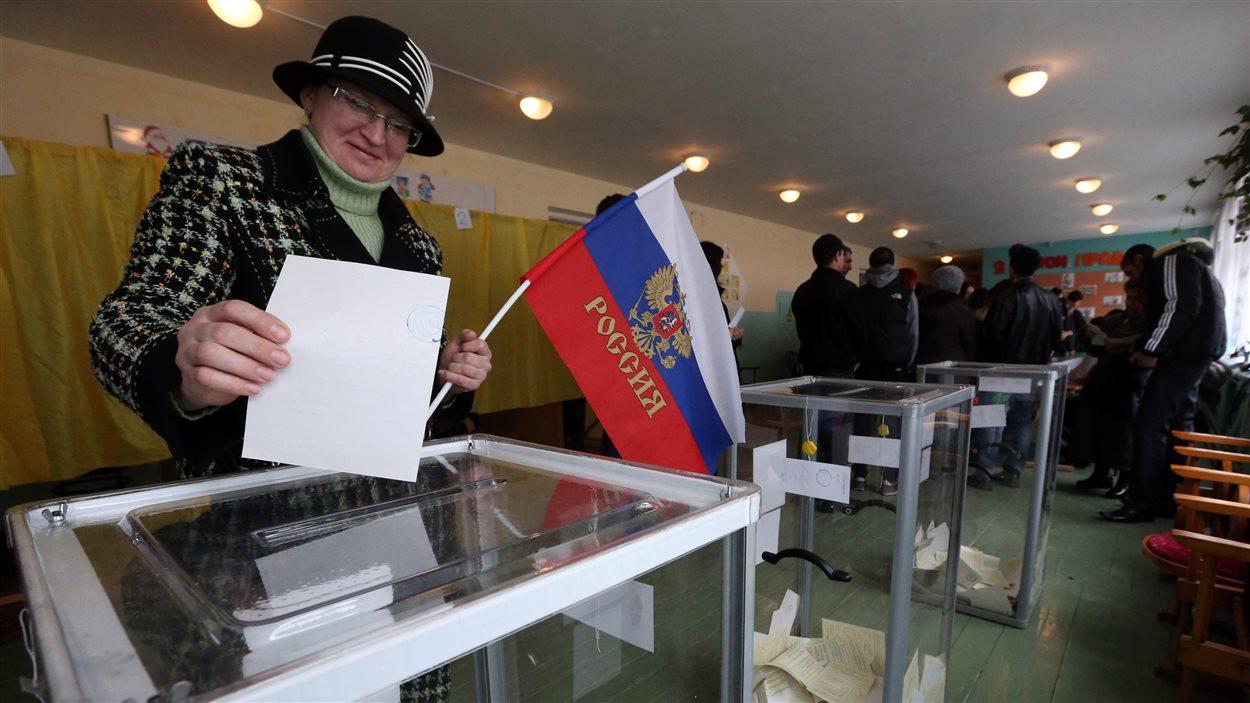 Environ 1,5 million d'habitants de la Crimée étaient invités à voter sur l'avenir de leur région, le 16 mars 2014.