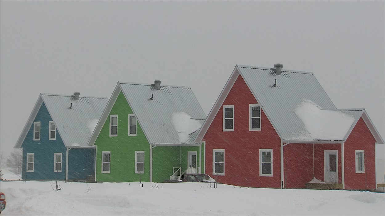 Maisons de Chandler en Gaspésie. Méga projet de cimentrie dans la région de Port-Daniel. TP Langlois, 24-03-2014.
