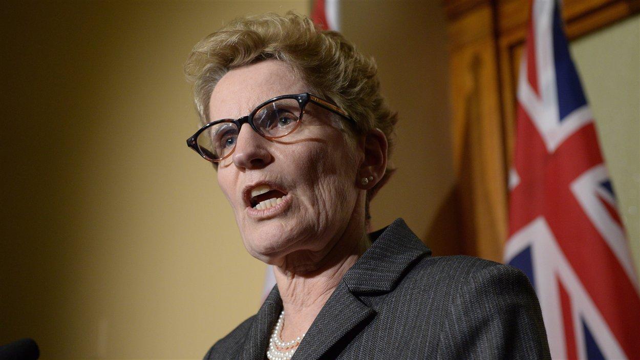 La première ministre Kathleen Wynne a rencontré la presse à trois reprises jeudi pour s'expliquer sur le scandale des centrales au gaz.