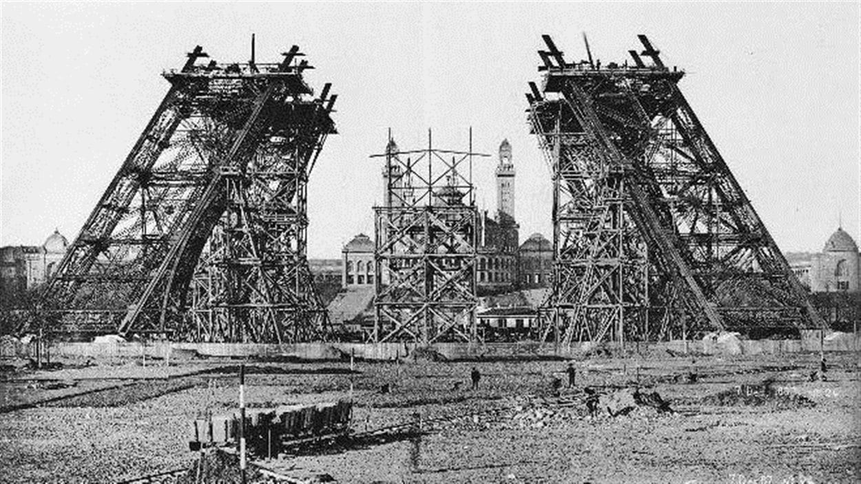 La tour Eiffel souffle ses 125 bougies | ICI Radio-Canada ca